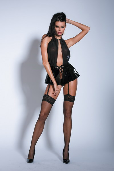 ROBE DOMINA ET STRING ET BAS